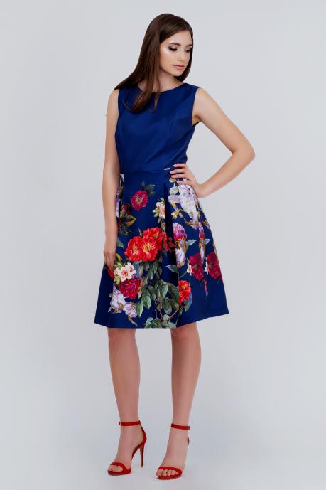 355558f36f Granatowa rozkloszowana sukienka z printem w kwiaty